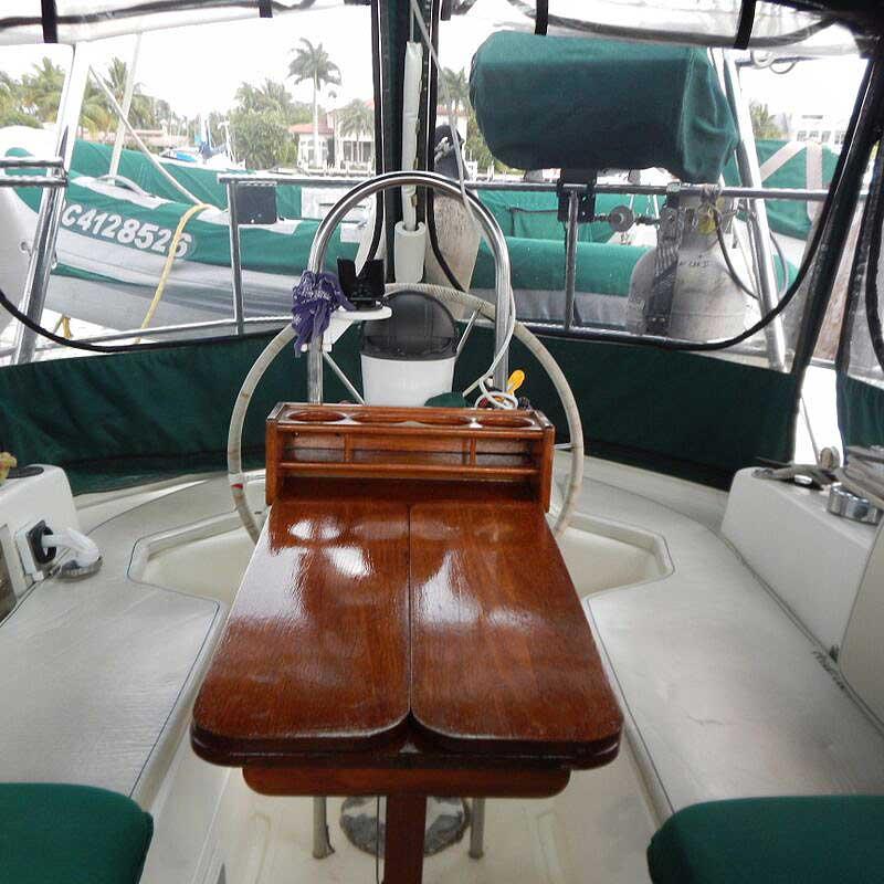 016-Honah-Lee-cockpit1