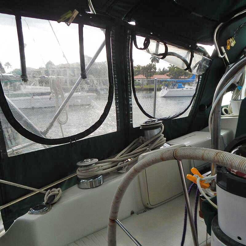 016-Honah-Lee-cockpit4