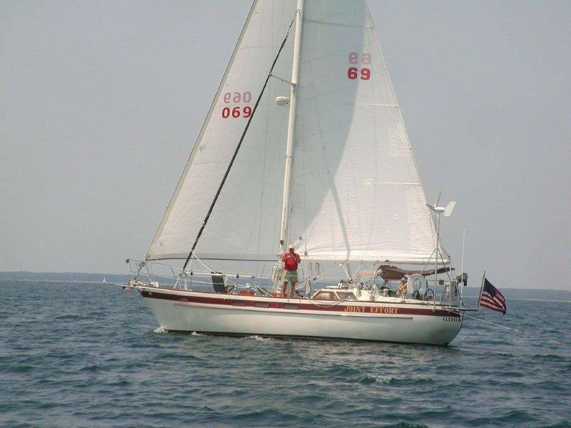 069 - Joint Effort - sailing