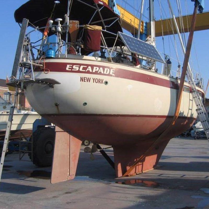 099 - Escapade - featured