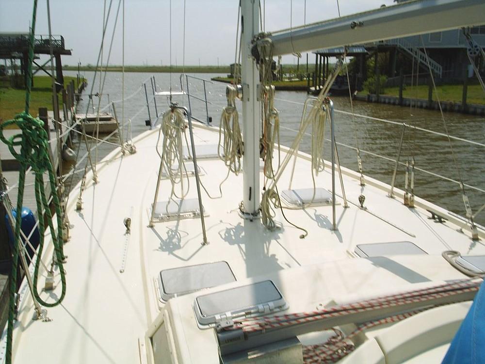 102 - Bodacious II - deckviewfwd