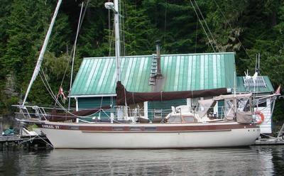 159 - Corail IV - alongside