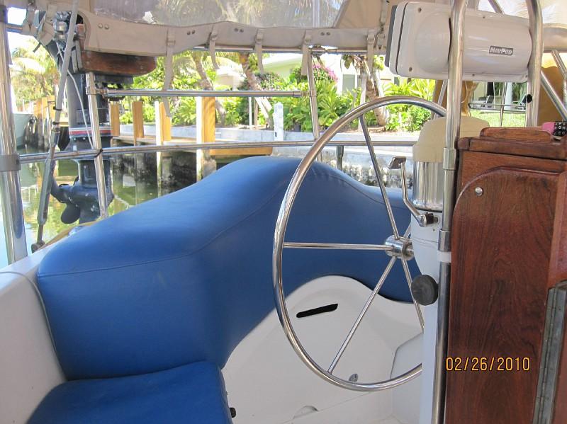 169 - Desiderata (Moon River) (Cap Bam) - cockpit